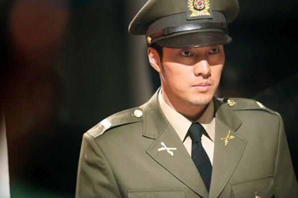 Ngoài Huyn Bin, màn ảnh Hàn Quốc còn có nhiều soái ca quân nhân khiến fan nữ 'thầm thương trộm nhớ' 7