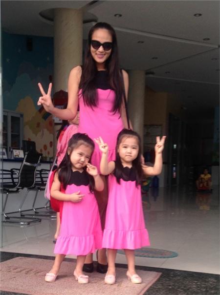 Duyên Anh được nhiều khán giả biết đến sau khi vào Top 3 Vietnam Idol 2008. Năm 2010, cô vắng bóng khỏi làng nhạc. Năm 2011, Duyên Anh Idol trở lại showbiz và tiết lộ là mẹ đơn thân của cặp song sinh.