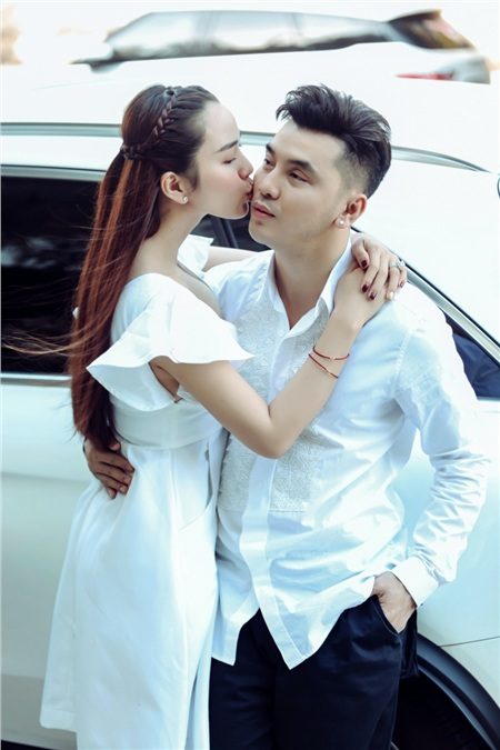 Ưng Hoàng Phúc và vợ 'trốn con' đi chơi Valentine, chia sẻ bí quyết giữ lửa tình yêu 2