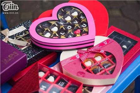 Chocolate có mức giá đa dạng, từ 100.000 đồng tới 500.000 đồng tùy thuộc vào hộp to, nhỏ và kiểu cách thiết kế.
