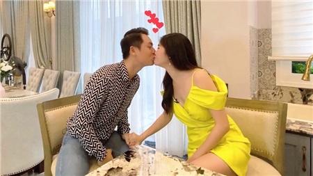 Gia đình được ngưỡng mộ của làng giải trí Việt này cũng tiết lộ bí mật ít người biết: Đăng Khôi và Thủy Anh đã từng có giai đoạn chia tay.