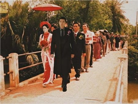 Nếu anh đẹp trai, chị đẹp gái làm lễ rước dâu thật thì chắc hàng người đi phía sau sẽ còn nối dài.