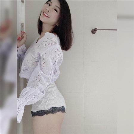 Ngây thơ dễ thương và sở hữu vòng một đẹp, nữ streamer mới nổi khiến cộng đồng mạng đặc biệt chú ý 2