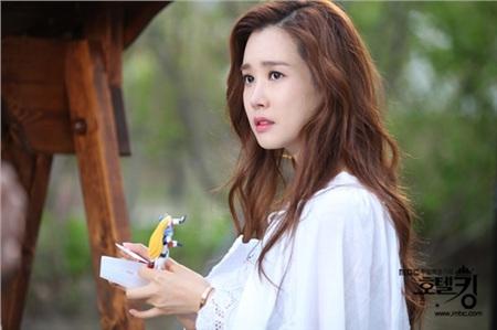 Những nữ tổng tài vạn người mê trên màn ảnh Hoa - Hàn: Tống Thiến 'cặp kè' trai trẻ, Son Ye Jin trăn trở vì quá nhiều tiền 5