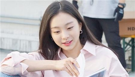 2 cô gái cùng 'fall in love' Park Seo Joon trong 'Itaewon Class': 1 cô là đả nữ thế hệ mới, 1 cô là tình tin đồn của Lee Jong Seok 6
