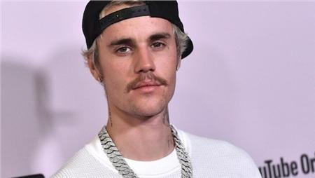 Justin Bieber vừa phát hành album thứ 5 trong sự nghiệp sau nhiều ngày được trông đợi.
