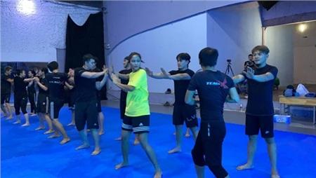 Hé lộ hình ảnh Hoa hậu H'Hen Niê tập võ chuẩn bị cho vai diễn nữ chính hành động 0