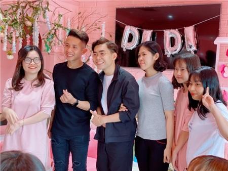 Xuất hiện tại buổi họp fan của cầu thủ Hồng Duy, Minh Dựcực hài hước khiến fan 'cười ngất' 3