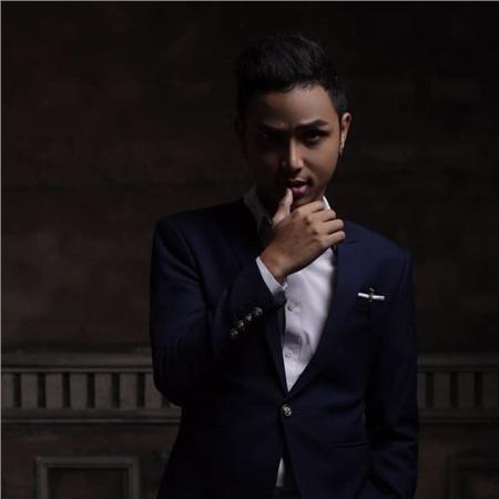 Đạo diễn Neko Lê hợp tácvớiNguyễn Trọng Tài sản xuất MV 'HongKong1'.