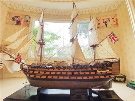 Mô hình chiến hạm được thiết kế riêng vớigiá 250 triệu đồng.