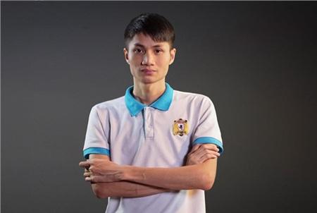 Với kĩ năng chơi thuộc hạng hàng đầu AOE Việt Nam, nhiều người đặt cho game thủ Phú Thọ biệt danh 'Chim sẻ đi nắng ver 2'.
