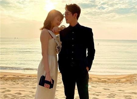 Song Luân công khai bạn gái Thu Hằng trên mạng xã hội.