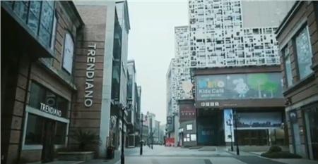 Một người trẻ khác là Lin Chen cũng đã ghi lại những cảnh tượng này và nhận được nhiều sự quan tâm của cộng đồng mạng.