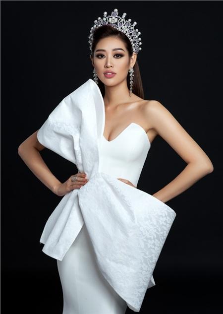 Hoa hậu Khánh Vân thực hiện bộ ảnh beauty đầu tiên, gửi lời tri ân đặc biệt sau hơn hai tháng đăng quang 0