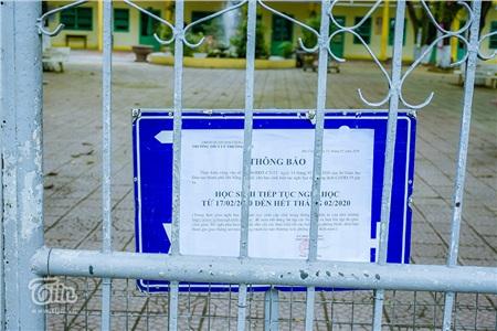 Cùng với địa phương trên cả nước, Sở GD-ĐT Đà Nẵng thông báo cho phép HS-SV toàn thành phố tiếp tục nghỉ học đến hết tháng 02/2019 để phục vụ công tác phòng dịch bệnh covid-19. Các trường cũng chủ động thông báo và đặt tại vị trí dễ nhìn để phụ huynh, học sinh nắm.