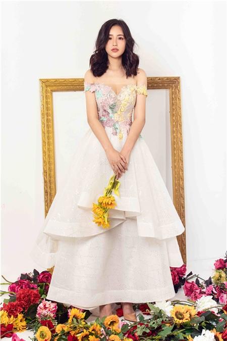 Bất ngờ trước hình ảnh quá đỗi dịu dàng của Hoa hậu Mai Phương Thuý 1
