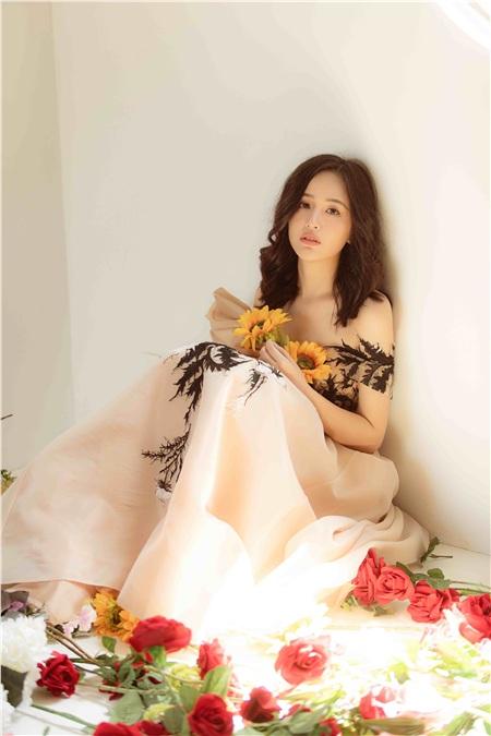 Bất ngờ trước hình ảnh quá đỗi dịu dàng của Hoa hậu Mai Phương Thuý 4