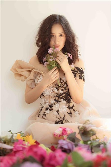 Ở tuổi 31, nhan sắc của Mai Phương Thúy vẫnkhiến nhiều đàn em phải ngưỡng mộ, ghen tị.