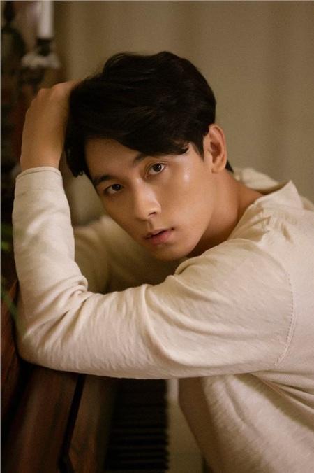 Khánh Ngô - hotboy cầu hôn Hương Giang ở 'Người ấy là ai' bị lộ loạt ảnh nhạy cảm khi chat với người khác? 1