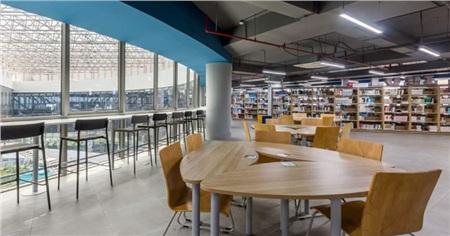 Thư viện đi mỏi chân cũng không hết
