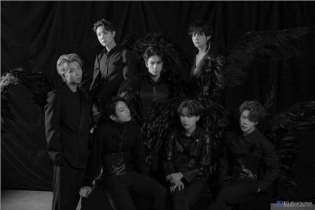 Fans 'khóc thét' khi thấy album 'siêu to khổng lồ' sắp ra mắt của BTS: Tiền ship chắc đắt hơn cả album? 0