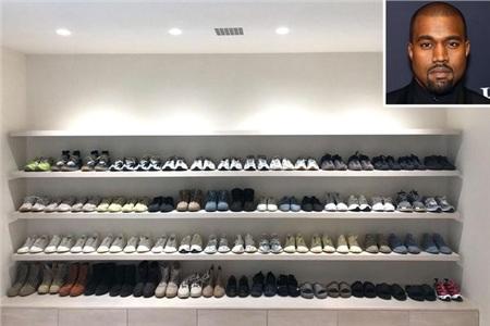 Là một nhà thiết kế thời trang có niềm đam mê với giày thể thao, Kanye West có tới hàng trăm đôi giày trong tủ đồ của anh.