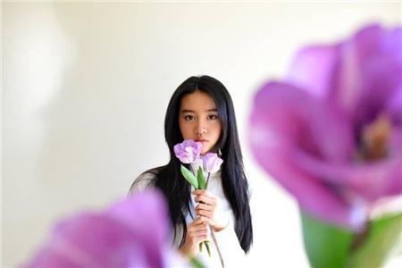 Càng ngắm loạt ảnh trẻ trung ngày thường của Koki mới thấy cô nàng đã bị chuyên gia makeup 'dìm' cỡ nào khi dự hai show diễn trên.