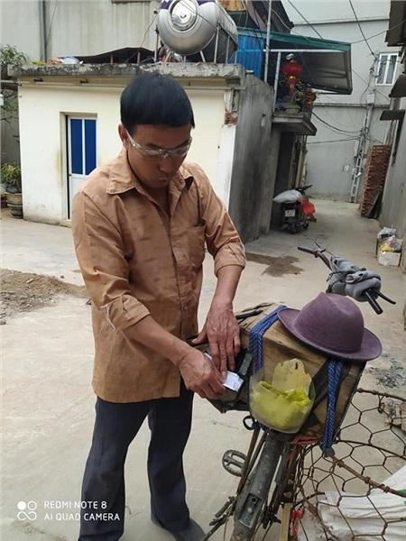 Xuất hiện chiếc xe đạp đổi ve chai lấy kẹo kéo: cả bầu trời tuổi thơ của 8x, 9x ùa về 1