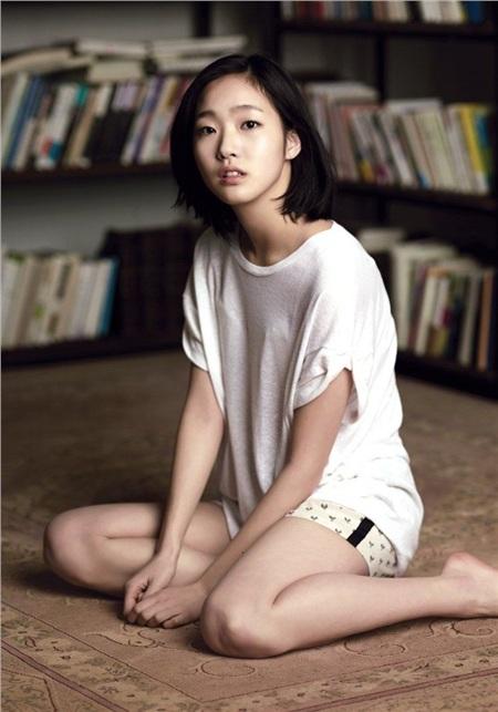 'Bộba mắt một mí'tạo nên xu hướng nữ chính cool ngầu trên màn ảnh: 'Điên nữ' Kim Da Mi đang khiến dân tình chao đảo trong 'Iteawon Class' 1
