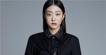 'Bộba mắt một mí'tạo nên xu hướng nữ chính cool ngầu trên màn ảnh: 'Điên nữ' Kim Da Mi đang khiến dân tình chao đảo trong 'Iteawon Class' 4