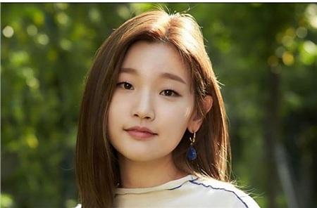 'Bộba mắt một mí'tạo nên xu hướng nữ chính cool ngầu trên màn ảnh: 'Điên nữ' Kim Da Mi đang khiến dân tình chao đảo trong 'Iteawon Class' 6