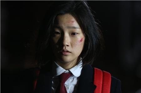 'Bộba mắt một mí'tạo nên xu hướng nữ chính cool ngầu trên màn ảnh: 'Điên nữ' Kim Da Mi đang khiến dân tình chao đảo trong 'Iteawon Class' 7
