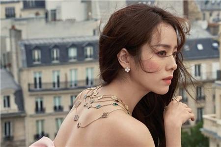 Han Ji Min ghi dấu ấn qua các phim 'Một cho tất cả', 'NàngDae Jang Geum', 'Hoàng tử gác mái', 'Đêm Xuân', 'Quý cô Baek',...