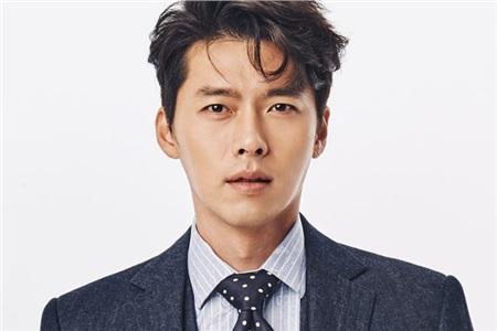Giống như các nữ minh tinh kể trên, ở độ tuổi 38, quý ông Hyun Bin cái gì cũng có chỉ mỗi người yêu là không.