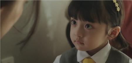 Được đóng bởi một bé trai nhưng con gái của Kim Tae Hee vẫn cực kỳ xinh xắn, đáng yêu trong 'Hi bye, mama!' 3