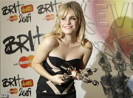 Duffy từng giành được nhiều giải âm nhạc, là làn sóng nữ nghệ sĩ hát nhạc soul của nước Anh.