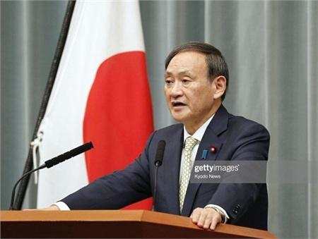 Ông Yoshihide Suga - Phát ngôn viên của Chính phủ Nhật Bản khẳng định Thế vận hội Tokyo 2020 vẫn sẽ diễn ra đúng kế hoạch. Ảnh: Getty Images