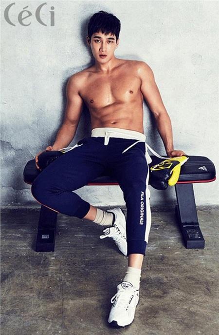 Chuyện chưa kể về thiếu gia bất tài của 'Tầng lớp Itaewon': Đẹp trai lồng lộn, body hấp dẫn, đi diễn vì đam mê và yêu thầm Song Hye Kyo 12