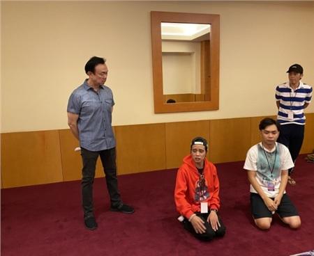 Lần đầu diễn chung với Hoài Linh và Chí Tài, Minh Dự khiến khán giả cười nghiêng ngả với 'nét chửi' đầy duyên dáng 0