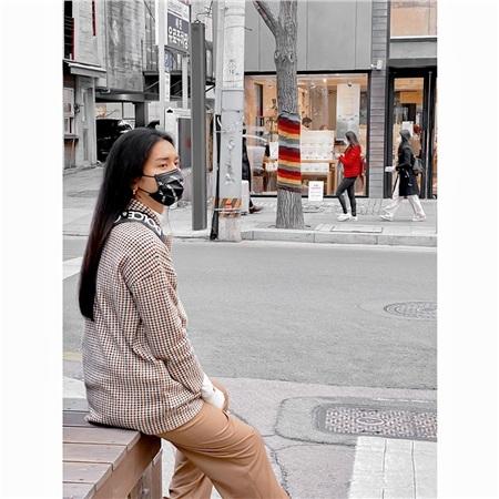 Đang bị cách ly sau khi trở về từ Hàn Quốc, BB Trần bỗng đăng đàn: 'Dịch bệnh đáng sợ nhưng vẫn không đáng sợ bằng con người' 0