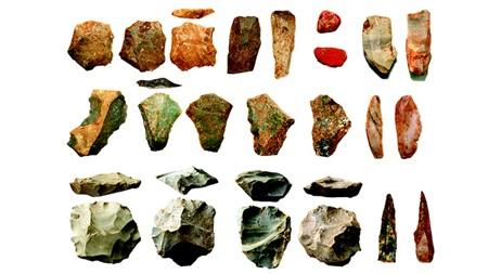 Các công cụ đá tìm được ở Ấn Độ cho thấy có ít nhất một loài người bí ẩn đã sống sót ở 'tử địa' trong thảm họa Toba - ảnh: Chris Clakson