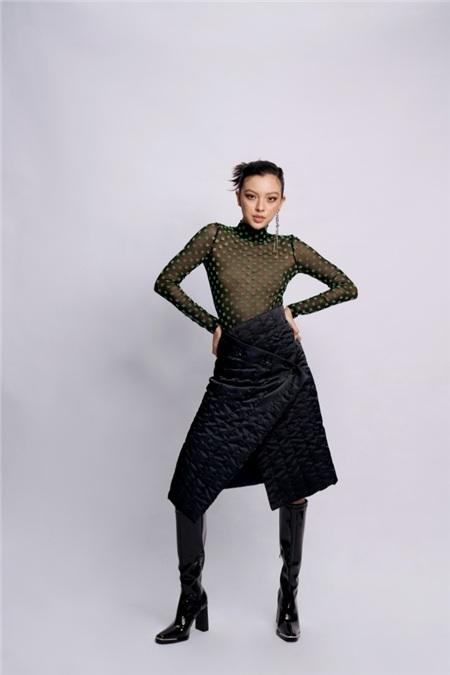 Diện 3 set đồ trendy Tú Hảo khoe khéo đường cong nóng bỏng, chứng minh gu thời trang ngày càng thăng hạng 0