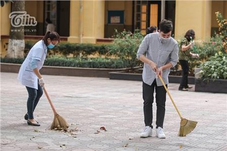 Được biết, công tác dọn vệ sinh được duy trì suốt thời gian nghỉ học.
