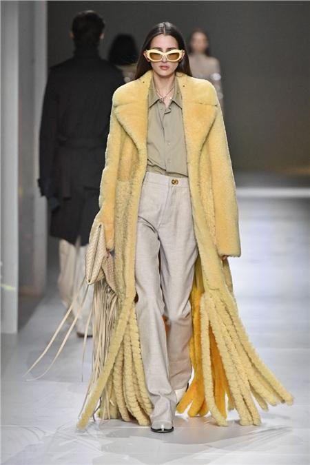 Tua rua bất ngờ lên ngôi trên các sàn diễn trong Milan Fashion Week Spring and Fall 2020 3