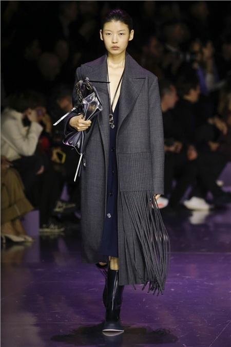 Tua rua bất ngờ lên ngôi trên các sàn diễn trong Milan Fashion Week Spring and Fall 2020 8