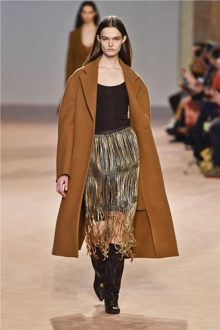 Tua rua bất ngờ lên ngôi trên các sàn diễn trong Milan Fashion Week Spring and Fall 2020 10