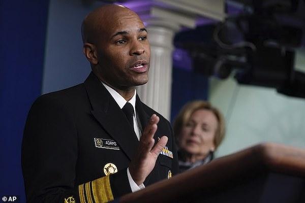 Jerome Adams - Tổng y sĩ Hoa Kỳ đã nhờ Kylie Jenner kêu gọi người hâm mộ trẻ tuổi chung tay chống dịch bệnh.