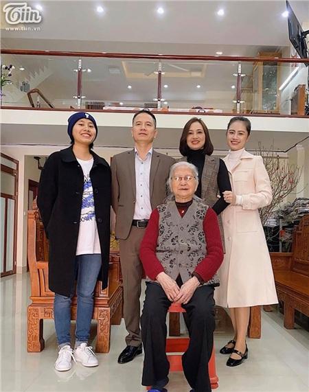 Gia đình hạnh phúc mà nhiều người ngưỡng mộ củaKhánh My