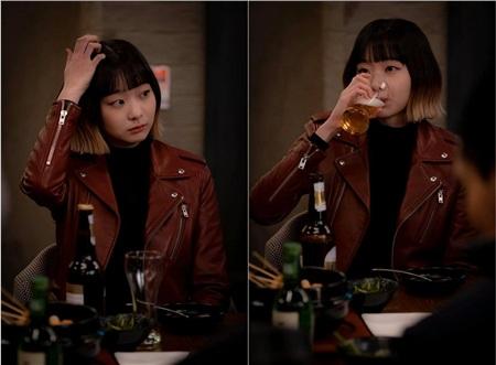 Ảnh hậu trường của Kim Da Mi 'Itaewon Class': Trong phim siêu 'ngầu', ngoài đời lại siêu đáng yêu 16