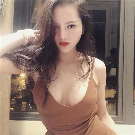 Vẻ ngoài nóng bỏng, sexy của bạn gái tin đồn của Đức huy.